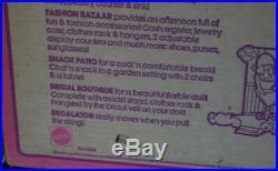 1975 BARBIE FASHION PLAZA Shopping Mall Playset TRUE NRFB MIB Vintage Superstar