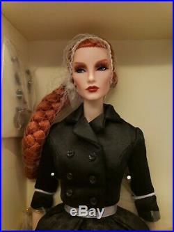 Dark Swan Elyse Jolie Fashion Royalty Integrity Doll NRFB Convention Rare