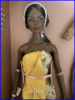 Fashion Royalty Vanessa Serenity NRFB