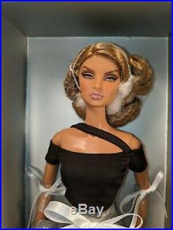 Integrity Toys Fashion Royalty Shapeshifter Natalia Fatale Comeback Giftset NRFB