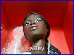 NRFB ADELE MAKEDA LE SMOKING GLOSS CONVENTION doll Integrity Fashion Royalty