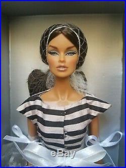 NRFB CRUISE CONTROL VANESSA PERRIN doll Integrity Fashion Royalty W CLUB