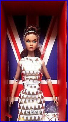 NRFB GOLDEN HOLIDAY Poppy Parker 12 doll Integrity Toys Fashion Royalty