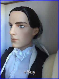Tonner 17 2015 DEJA VU RANDOLPH ABSOLUTE ELEGANCE Fashion Doll NRFB LE 300