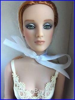 Tonner Tyler 16 Antoinette BLOOM Dressed Fashion Doll NRFB LE 1000 2009